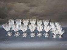 Bateria em cristal ricamente lapidado (20 taças)